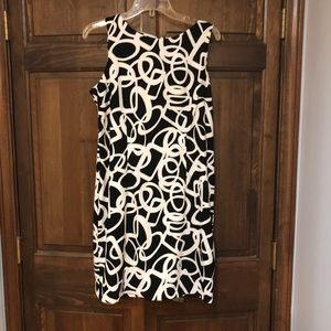 Black and white dress by Dressbarn shift zip